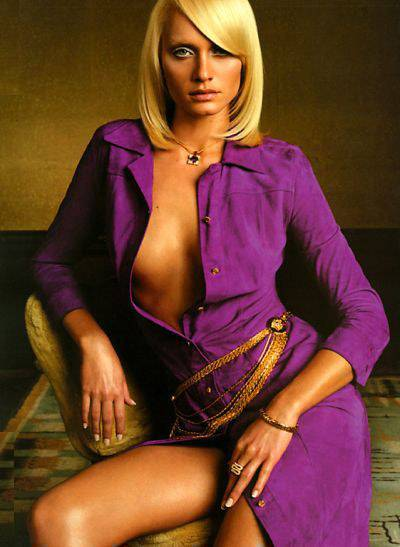 Amber Valletta Pictures Photos Picture Gallery Hot Pics Amber Valletta Gossips At Entwagon Com