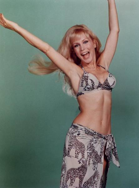 Barbara Eden Pictures, Photos, Picture Gallery, Hot Pics, Barbara Eden ...