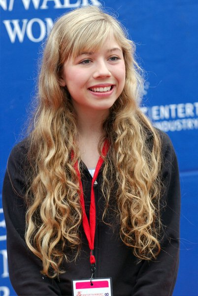 Jennette McCurdy at 15th Annual EIF Revlon Run/ Walk For Women - Los Angeles Memorial Colliseum, Los Angeles, CA. USA