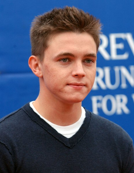 Jesse McCartney at 15th Annual EIF Revlon Run/ Walk For Women - Los Angeles Memorial Colliseum, Los Angeles, CA. USA
