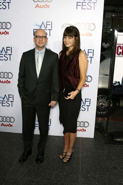 Steven Soderbergh, Jules Asner at 2008 AFI FEST Los Angeles Premiere of 'Che' at Grauman's Chinese Theater, Hollywood, CA, USA