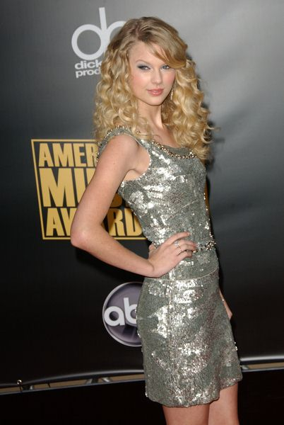 Taylor Swift at 2008 American Music Awards - Arrivals at Nokia Theater, Los Angeles, CA. USA