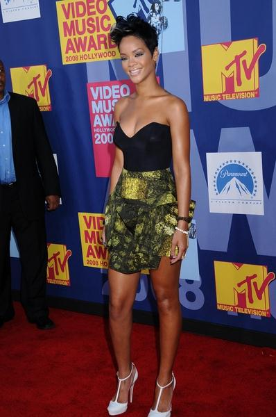 Rihanna at 2008 MTV Video Music Awards - Arrivals at Paramount Pictures Studios, Los Angeles, CA USA