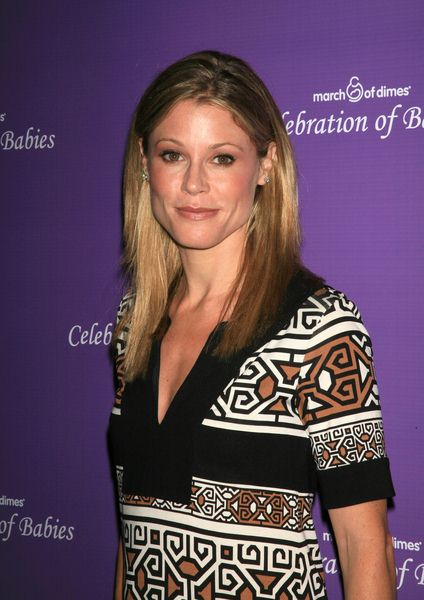 Julie Bowen at Celebration of Babies to Benefit the March of Dimes at Beverly Hills Hilton, Beverly Hills