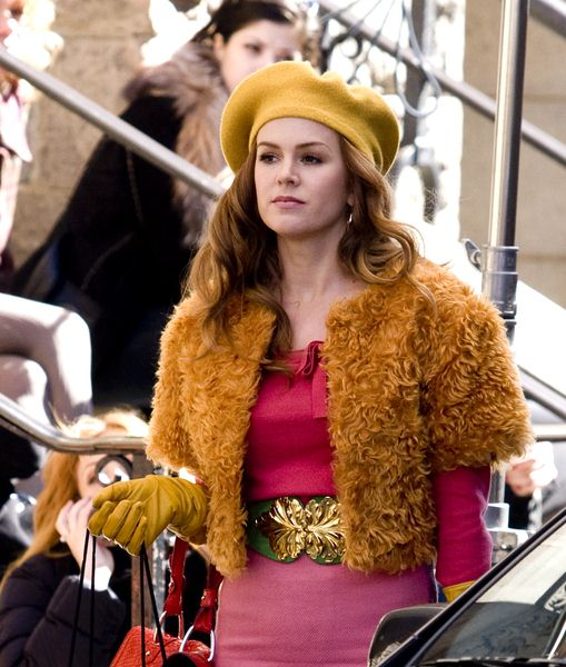 Isla Fisher at 'Confessions of a Shopaholic' Filming on Location in New York on April 15, 2008 - Lower Manhattan, NYC