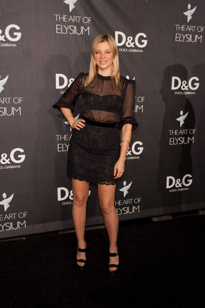 Amy Smart at DG Flagship Boutique Opening Benefiting The Art of Elysium at DG, Los Angeles, CA USA