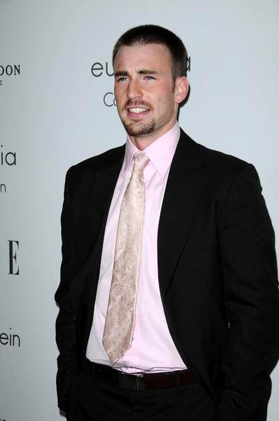 Chris Evans at ELLE Magazine's 15th Annual Women in Hollywood Tribute - Arrivals at The Four Seasons Hotel, Beverly Hills, CA, USA
