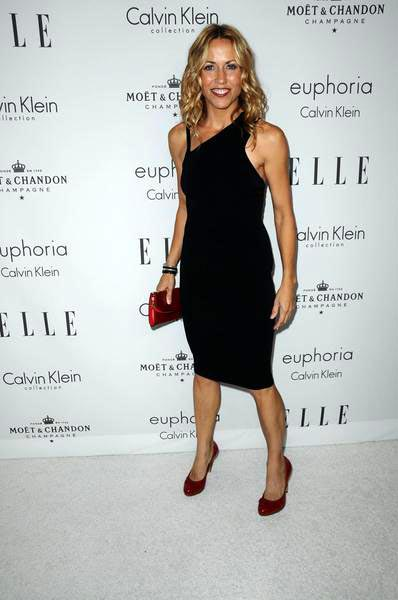 Sheryl Crow at ELLE Magazine's 15th Annual Women in Hollywood Tribute - Arrivals at The Four Seasons Hotel, Beverly Hills, CA, USA