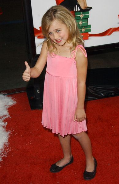 True Bella at 'Four Christmases' World Premiere at Grauman's Chinese Theater, Hollywood, CA, USA