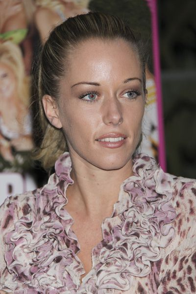 Kendra Wilkinson at Kendra Wilkinson, Holly Madison and Bridget Marquardt Launch Their New Book 'The Girls Next Door' at the Forum Shops at Caesars Palace Hotel and Casino, Las Vegas, NV, USA
