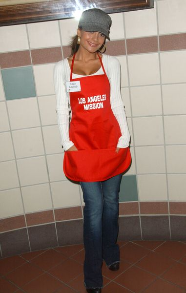 Layla Kayleigh at Los Angeles Mission Thanksgiving Meal For The Homeless at L.A. Mission and Anne Douglas Center, Los Angeles, CA. USA