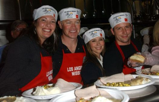 Neal McDonough, Ruve, Jennifer Love Hewitt, Ross McCall at Los Angeles Mission Thanksgiving Meal For The Homeless at L.A. Mission and Anne Douglas Center, Los Angeles, CA. USA