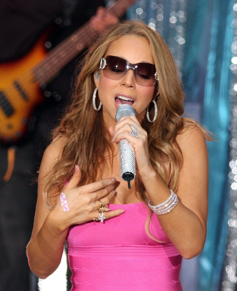 Mariah Carey at Mariah Carey in Concert on ABC's 'Good Morning America' on April 25, 2008 - Times Square, New York City, NY, USA