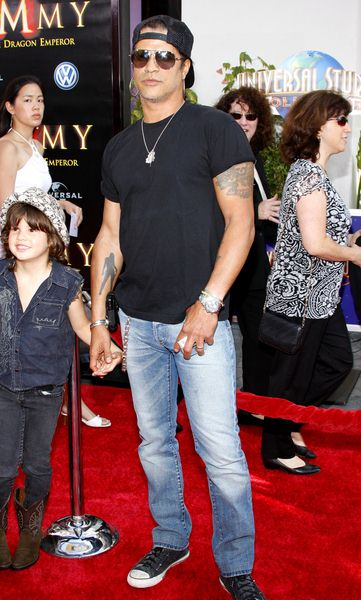Slash at 'The Mummy: Tomb of the Dragon Emperor' American Premiere - Arrivals - Gibson Amphitheatre Universal Studios Hollywood, Universal City, CA, USA