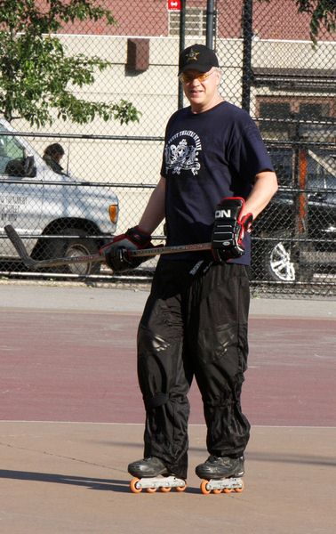 Tim Robbins at Tim Robbins Playing Hockey in Greenwich Village, New York on May 26, 2008 - Greenwich Village, New York City, NY, USA