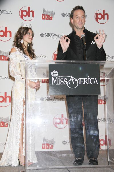 Katie Stam, Clinton Kelly at 2009 Miss America Pageant Post Press Conference at Planet Hollywood Casino Resort in Las Vegas, NV, USA