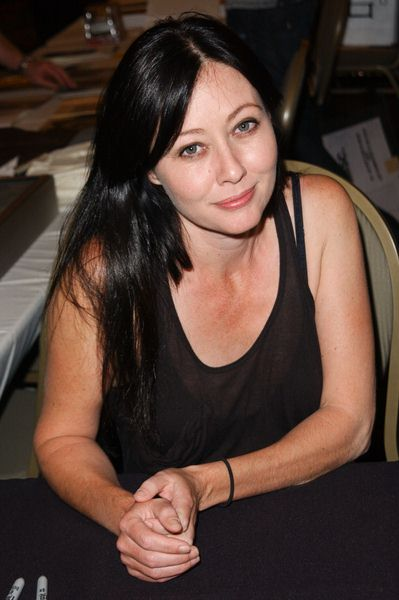 Shannen Doherty at 2009 Summer Hollywood Show - day 1 - Burbank Airport Marriott Hotel, Burbank, CA. USA