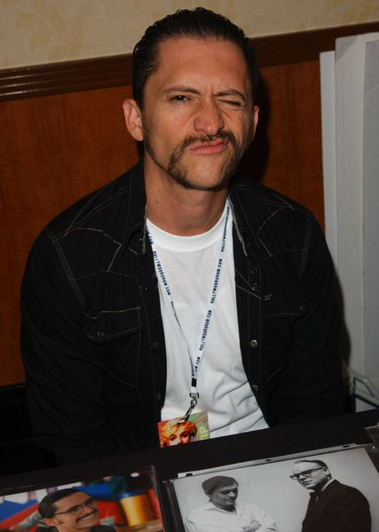 Clifton Collins Jr. at 2009 Summer Hollywood Show - day 1 - Burbank Airport Marriott Hotel, Burbank, CA. USA