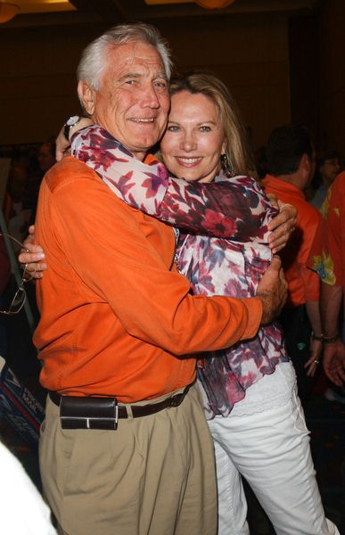 George Lazenby, Maud Adams at 2009 Summer Hollywood Show - day 1 - Burbank Airport Marriott Hotel, Burbank, CA. USA