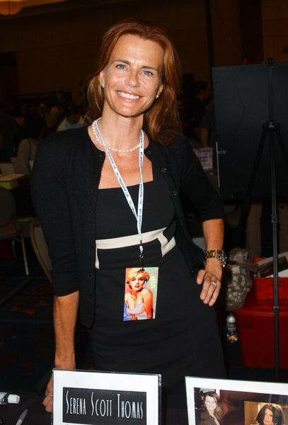 Serena Scott Thomas at 2009 Summer Hollywood Show - day 1 - Burbank Airport Marriott Hotel, Burbank, CA. USA