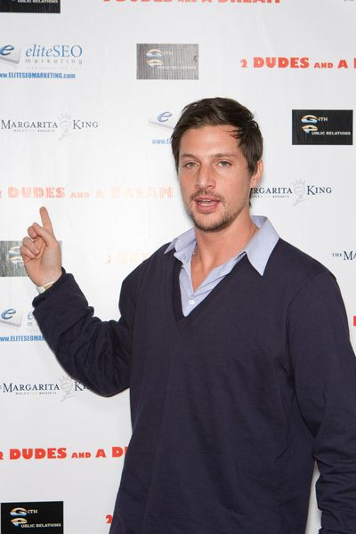 Simon Rex at '2 Dudes and a Dream' Los Angeles Premiere at ArcLight Hollywood, Hollywood, CA USA