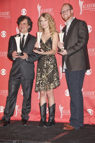 Scott Borchetta (Producer), Taylor Swift (Musician), Nathan Chapman (Producer) at 44th Annual Academy of Country Music Awards - Press Room - MGM Grand Garden Arena, Las Vegas, NV. USA