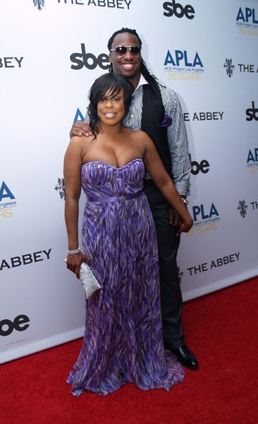 Niecy Nash, Vernon Davis at 8th Annual 'The Envelope Please' APLA Oscar Viewing Party - The Abbey, West Hollywood, CA, USA