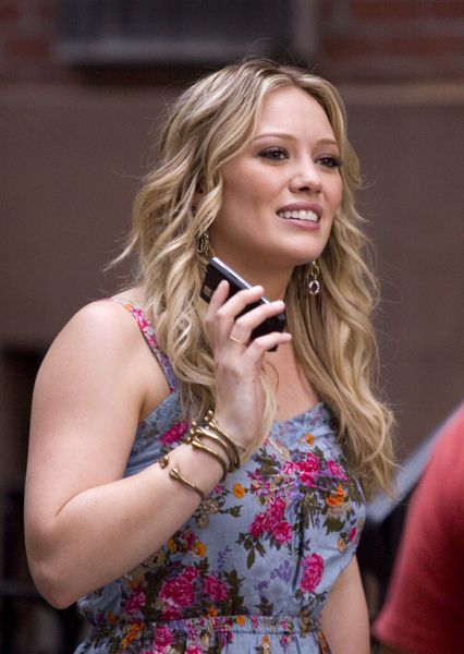 Hilary Duff at 'Gossip Girls' Filming at Chelsea in New York - Chelsea, New York City, NY, USA