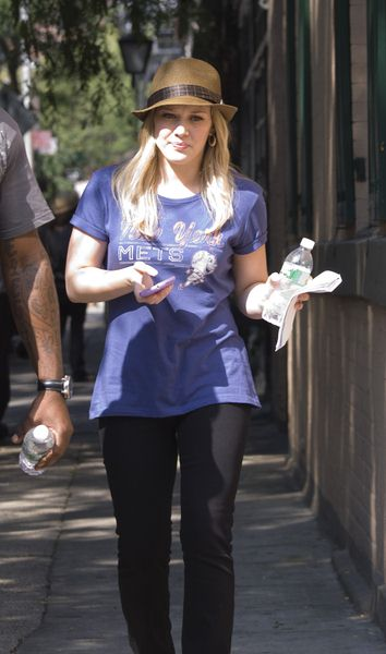 Hilary Duff at 'Gossip Girls' Filming on Location in Greenwich Village in New York City