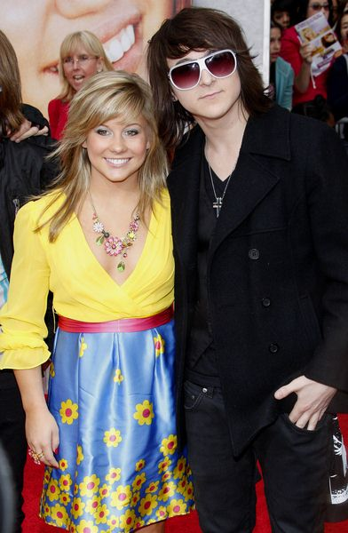 Shawn Johnson, Mitchel Musso at 'Hanna Montana The Movie' World Premiere - El Capitan Theatre, Hollywood, CA, USA