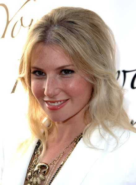 Ari Graynor at Hollywood Life's 11th Annual Young Hollywood Awards - The Eli and Edyth Broad Stage/Santa Monica College Performing Arts Center, Santa Monica, CA. USA