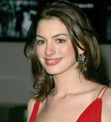Anne Hathaway Young Pictures: I Was Crazy And Romantic At Young Age Says Anne Hathaway