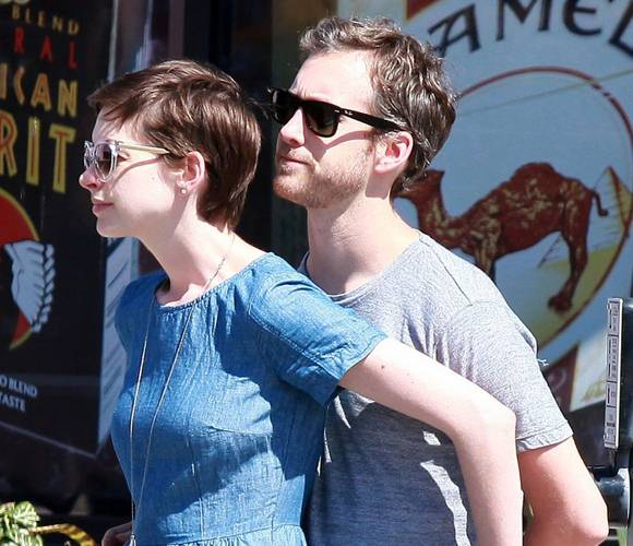 Anne Hathaway Welcomes Baby Boy!
