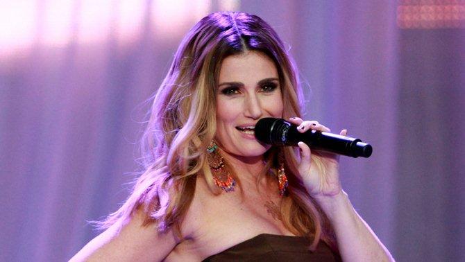 Idina Menzel Says 'Karma' Is Behind Donald Trump's Rumored Inauguration Day Problems